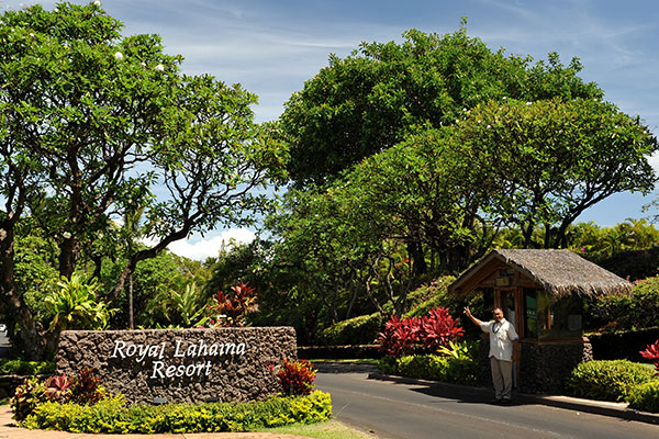 Royal Lahaina Entrance